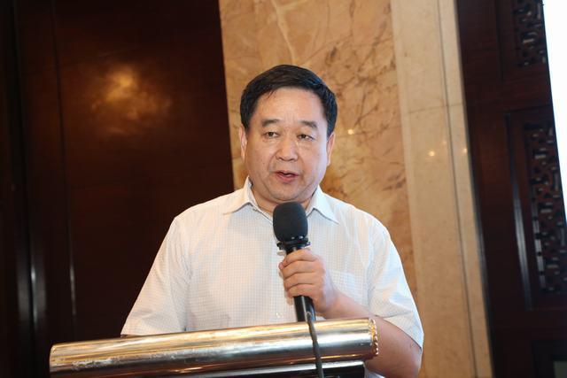 山东大学齐鲁儿童医院副院长姜忠强致欢迎辞.JPG