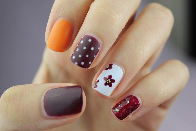 nail-art-2688565_960_720.jpg