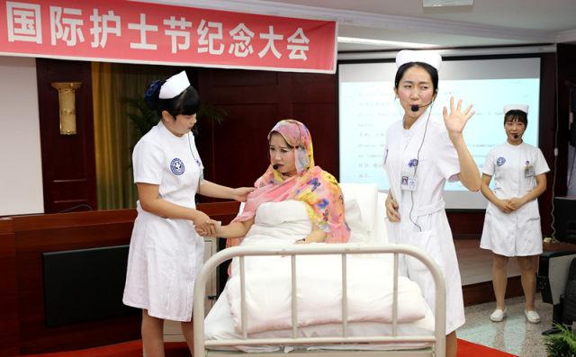 在护士节表演的英语小品.JPG
