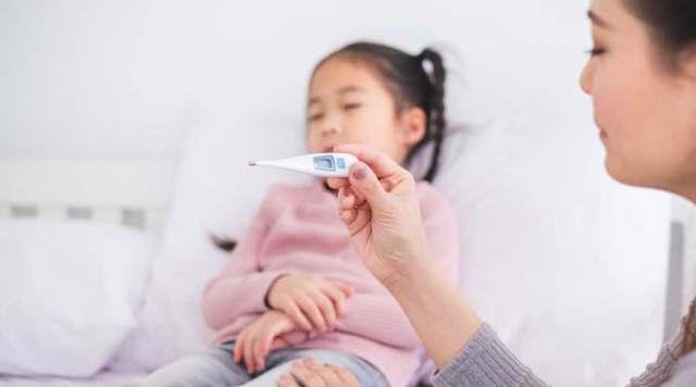 接吻病插图儿童发热.jpg