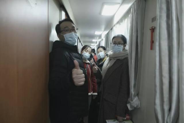 树兰杭州医院:浙江省副省长成岳冲送行李兰娟院士医疗团队
