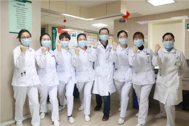 郫都区人民医院 400 余名医务人员主动请战,成为最美「逆行人」!