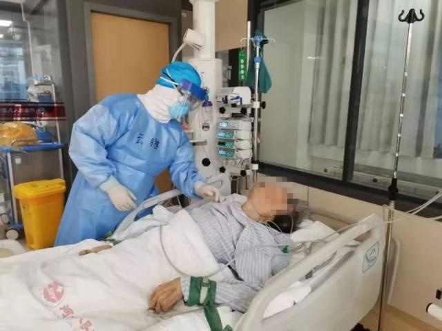重症医生「火线战斗者」的极限挑战