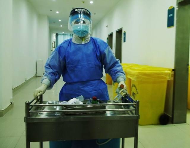 河南信合医院 95 后护士脱下婚纱换白衣 奔赴抗疫情一线