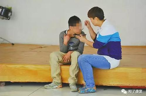 17 岁高中生记录武汉春天,曾去过世界上最孤独的咖啡馆