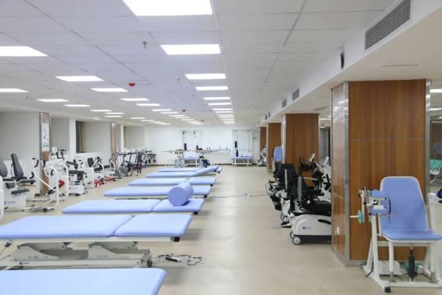 千里迢迢送「大礼」!萧山中医院帮扶的这两家医院喜事连连