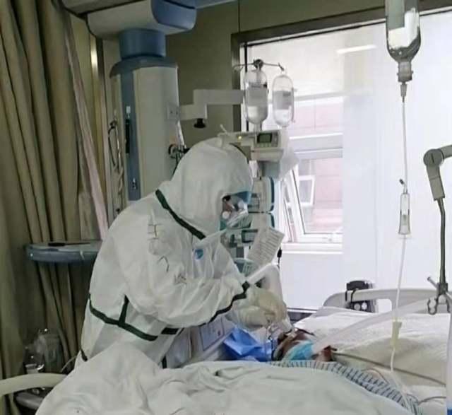 护理患者.jpg