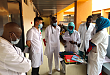 广西第 21 批援尼日尔医疗队妙手回春除病魔,不是亲人胜亲人
