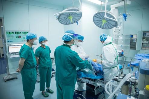 命悬一线,紧急救援!前海人寿广州总医院成功开展气管切开手术