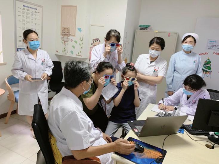 开学季关爱视力健康,艾格举办小儿眼病与近视防控学术研讨会
