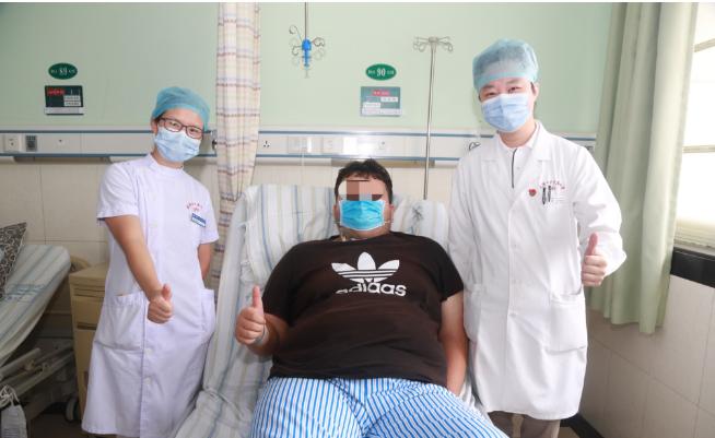 20 多岁新疆小伙体重达 310 斤,睡觉鼾声如雷,这次专程飞到武汉来减重