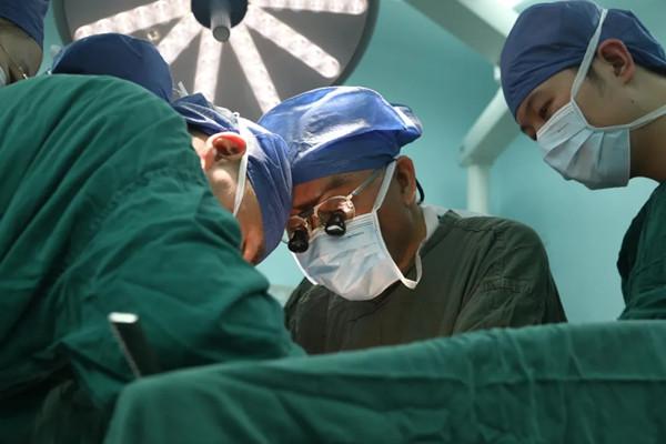 刻不容缓的肝移植,如何为「熊猫血」患者「增血」救命?