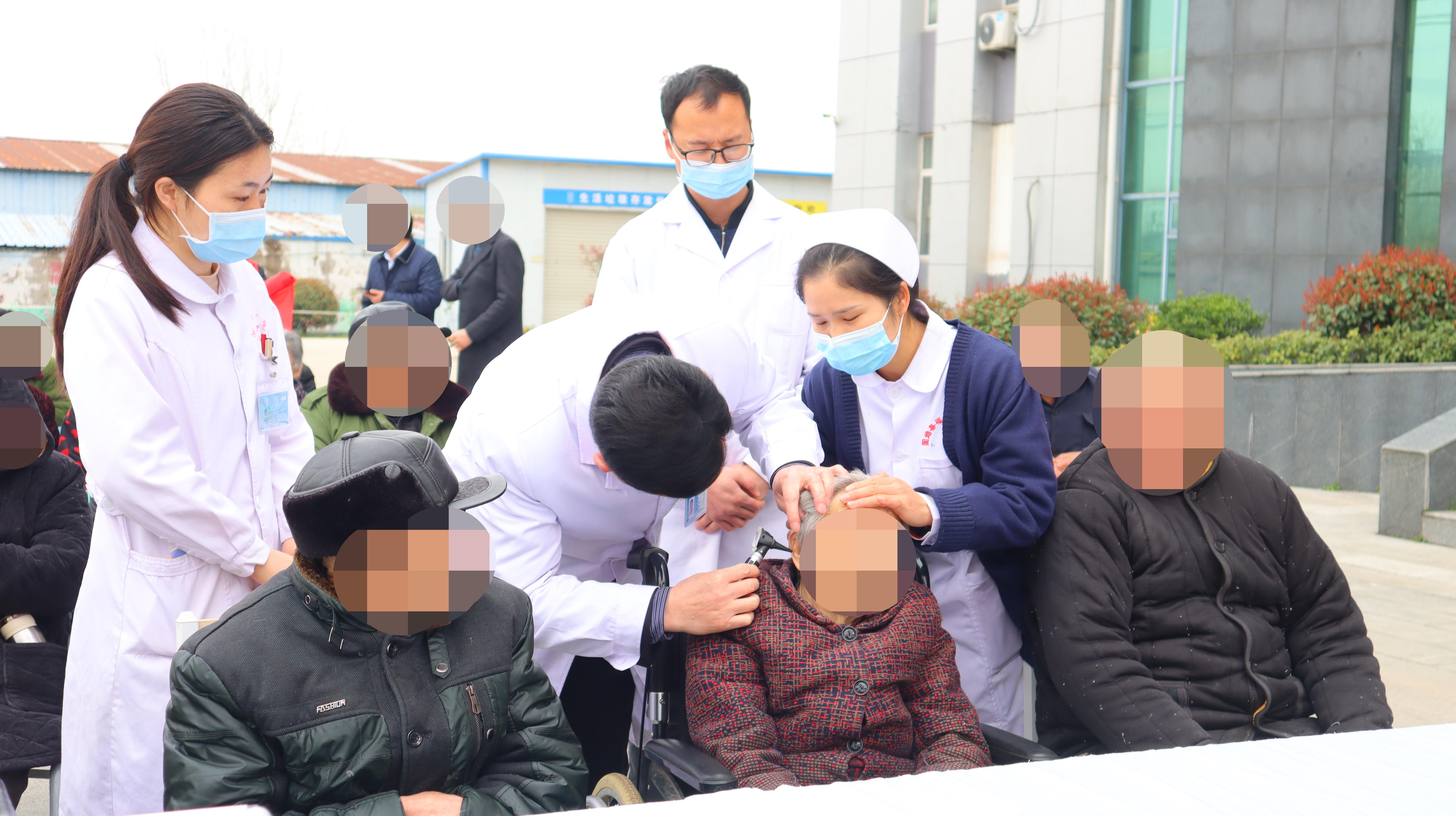 河南信合医院开展「爱耳日」义诊送健康活动