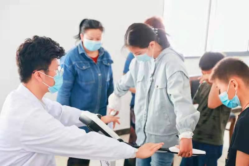 「把儿童医院搬进村里」,南京市儿童医院专家到谷里街道荆刘村开展科普义诊活动