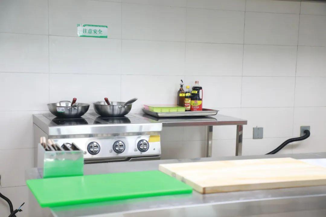 这家医院的「爱心厨房」藏着人间温暖