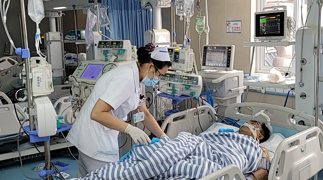 41 岁小伙险些丧命,广西壮族自治区南溪山医院医护力挽狂澜