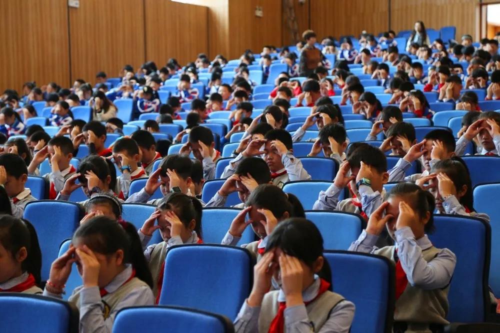 为同学们上好这堂课——银海眼科近视防控爱眼护眼知识讲座进校园