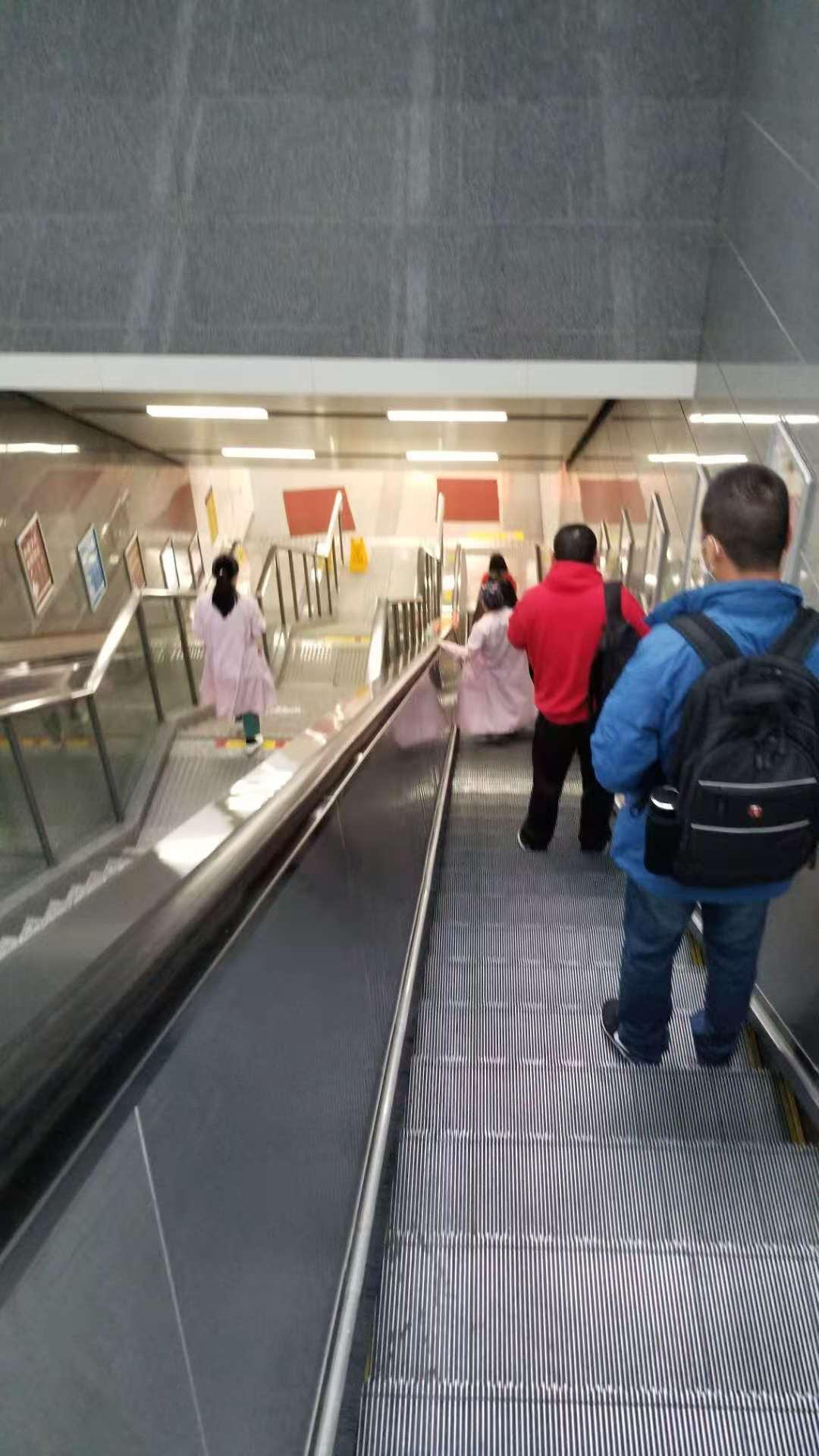 惊险!杭州孕妇在地铁站早产,宝宝才28周,出生时连胎膜都没破………