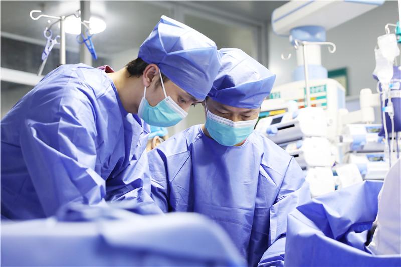 宜州首例 宜州区人民医院首次成功为危重患者实施ECMO治疗