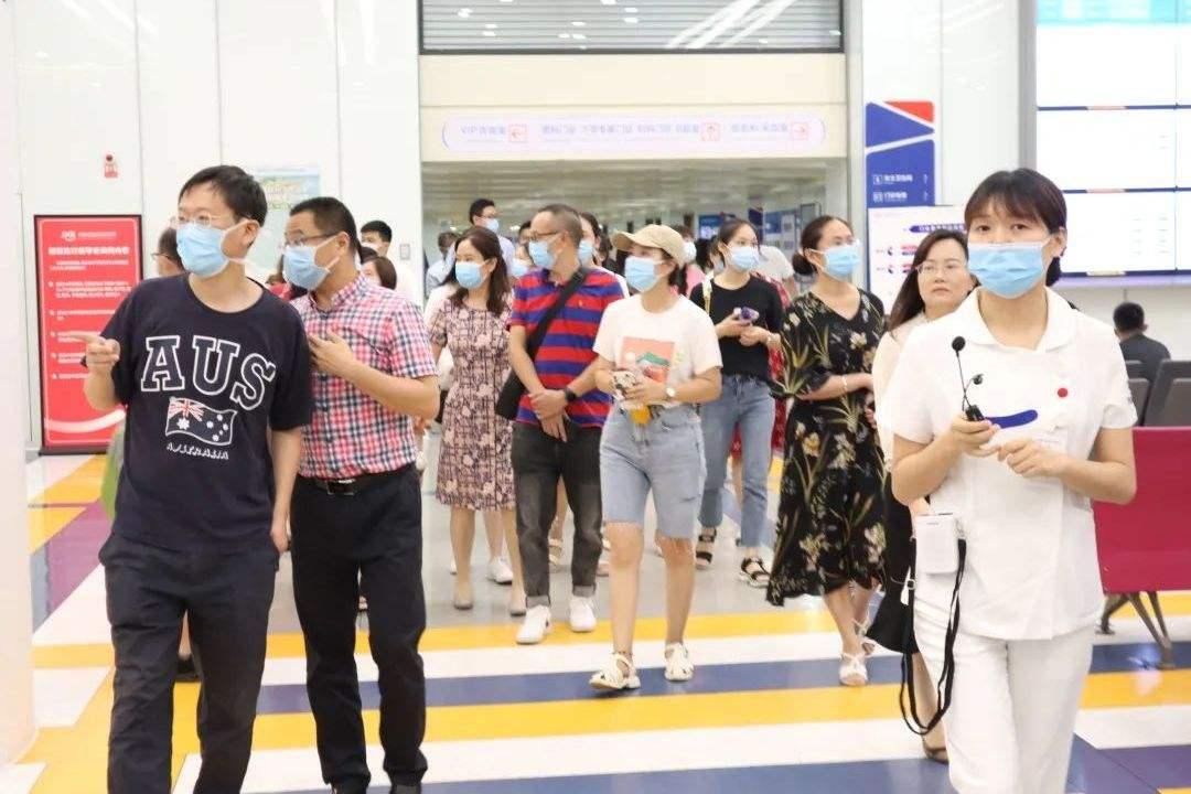 成都西囡妇科医院:复发性流产专题讨论会议顺利召开