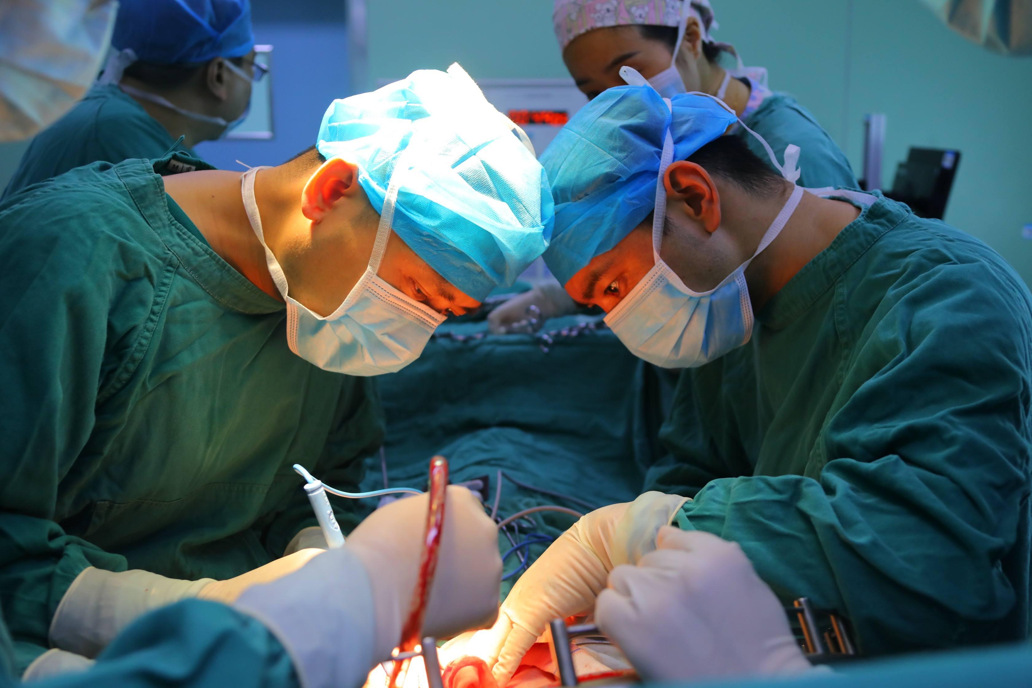 华西广安医院成功开展首例全胰联合脾脏切除手术