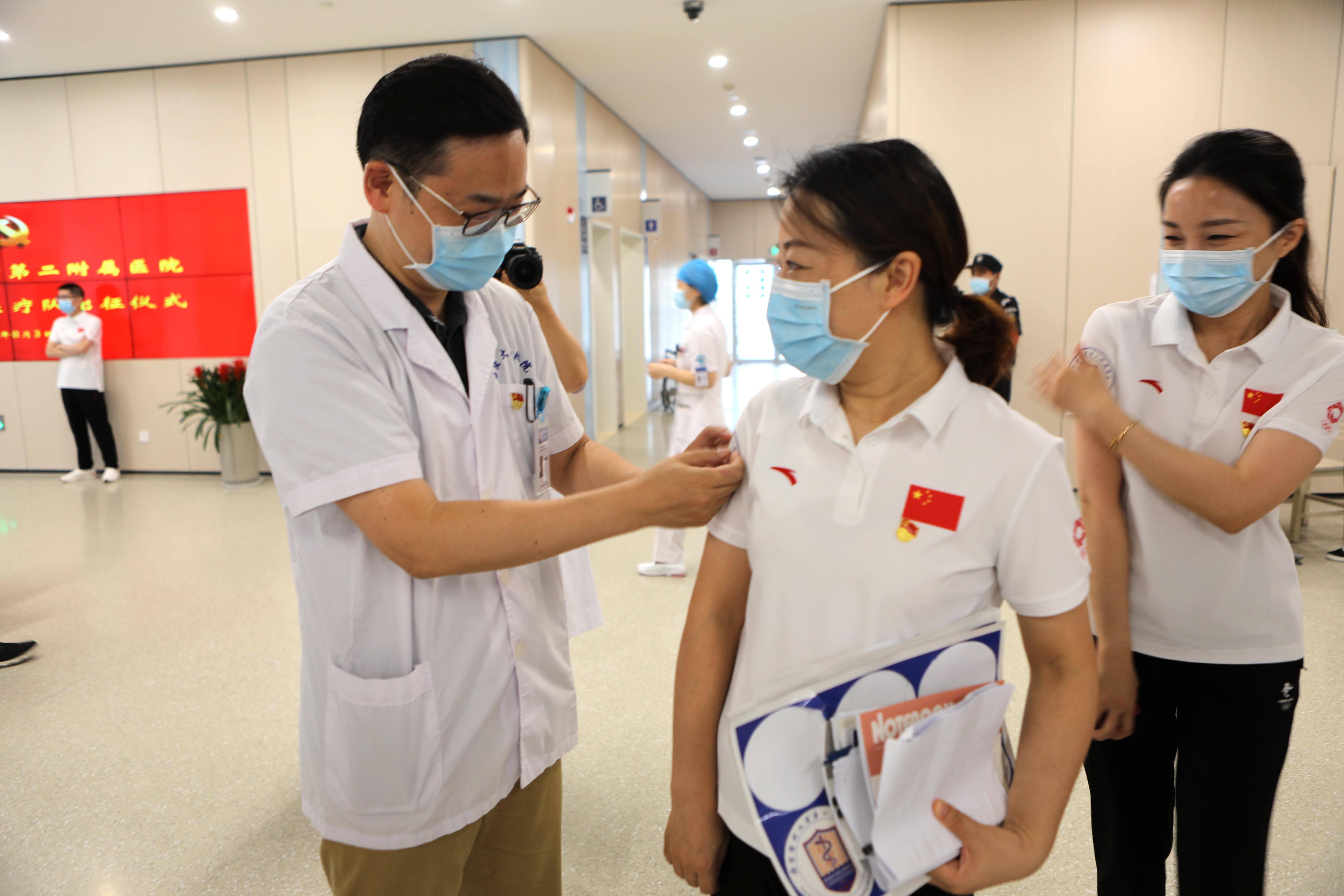 闻令而动!南京医科大学二附院 94 位医护奔赴南京公卫中心!9 位曾逆行湖北!