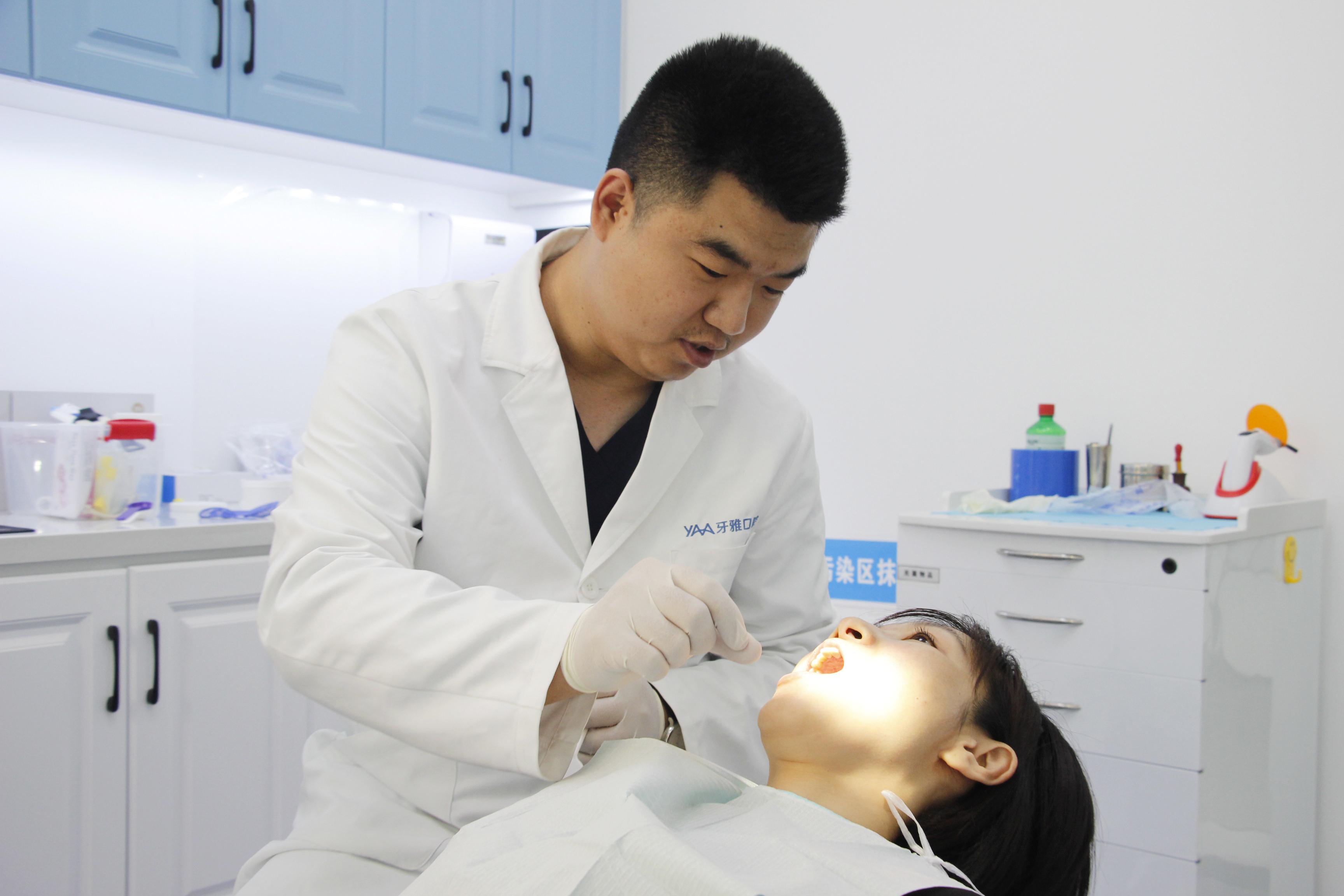 牙雅口腔谭先德:数字技术赋能全口种植,将大大提高老年无牙人群的生活品质