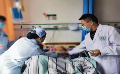远程会诊讨论治疗方案,脑出血患者重获新生
