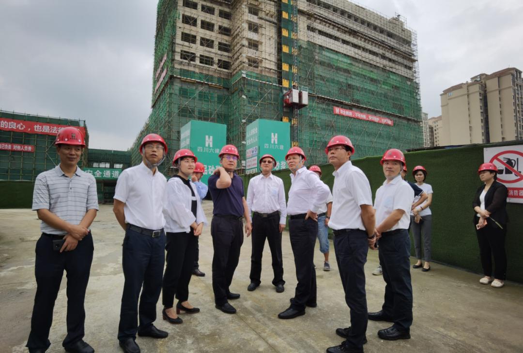 杨兴平副省长视察四川省骨科医院天府新区医院一期项目
