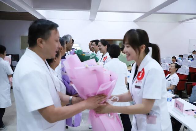 快看,西安高新医院的教师是这样过节的