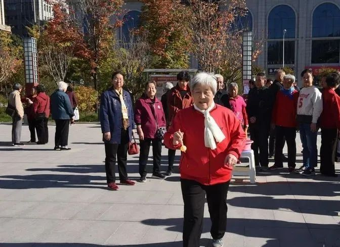 延安大学附属医院开展丰富多彩的重阳节系列活动