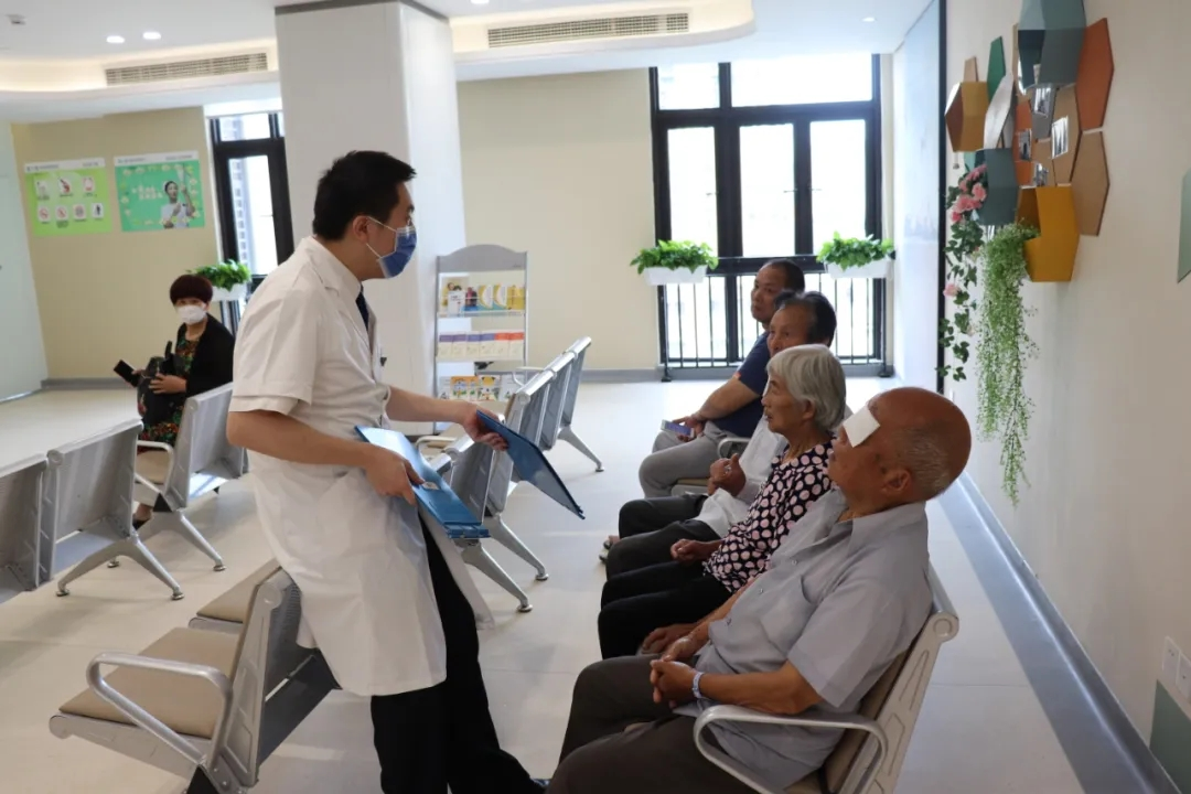 91 岁高龄患者在福州爱尔眼科医院完成白内障手术!