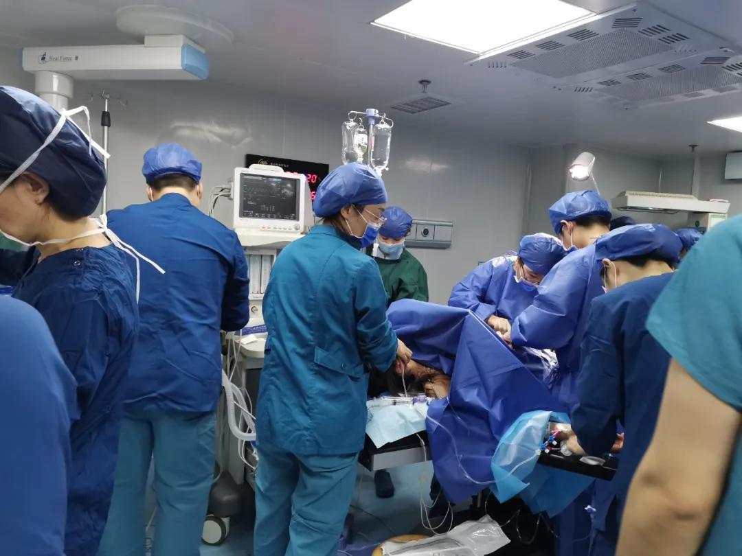 产妇突发「羊水栓塞」情况危急,多科室抢救终脱险