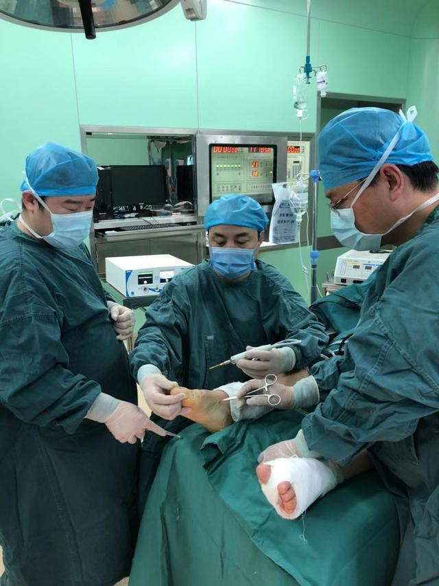徐州仁慈医院微创踇外翻学习班举办,微创踇外翻手术提前预约中