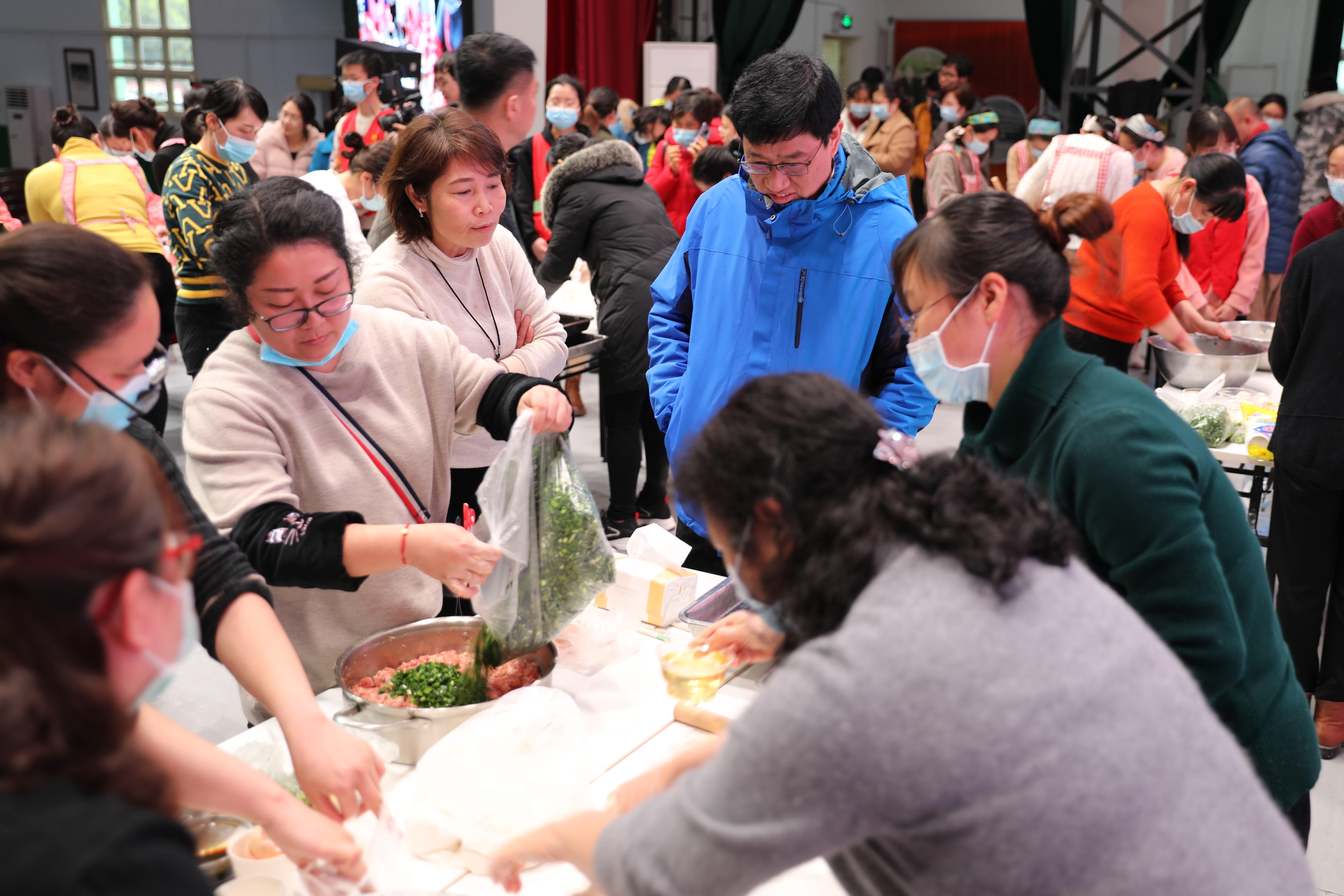 广西壮族自治区南溪山医院「百步跳绳,百饺争鲜」喜迎三八妇女节