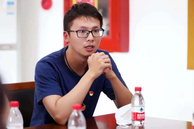 上海市第二康复医院与吴淞第二中学开展学「四史」守初心党建联建主题党日活动