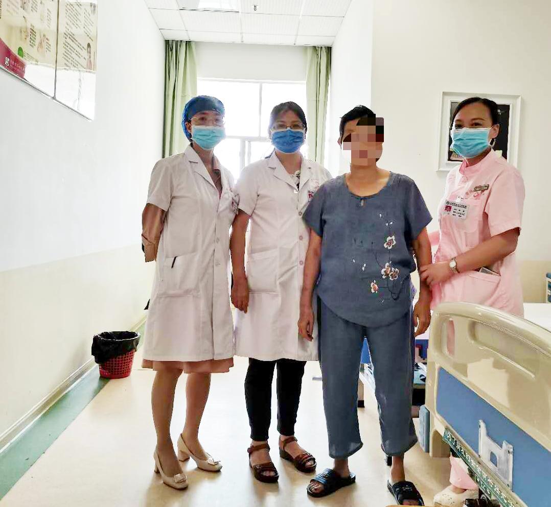 多科室长达 2 小时的密切配合取出重达 26 斤子宫肌瘤