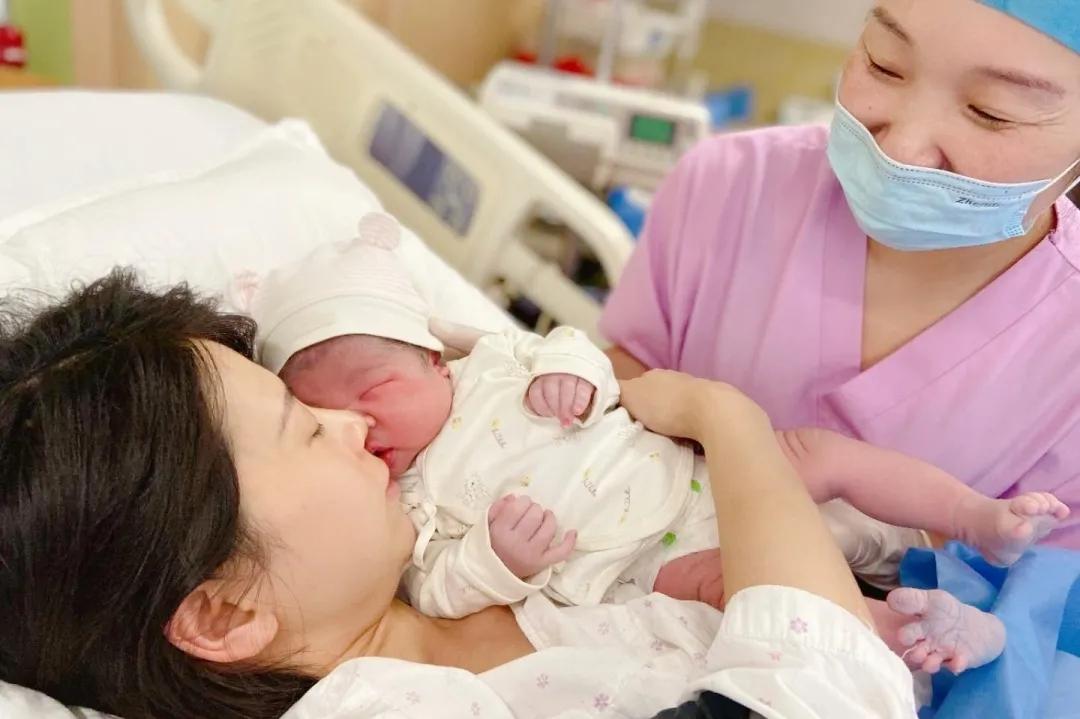 肩难产、巨大儿……「元旦宝宝」组团到来!这出生过程,可真不容易……
