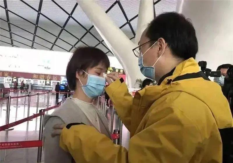 广西中医药大学第一附属医院陈平获评「中国好医生 中国好护士」抗疫特别人物!