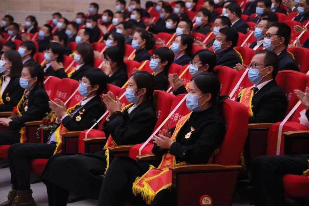 蓟州区人民医院新冠肺炎疫情五一劳动奖章获得者接受表彰!