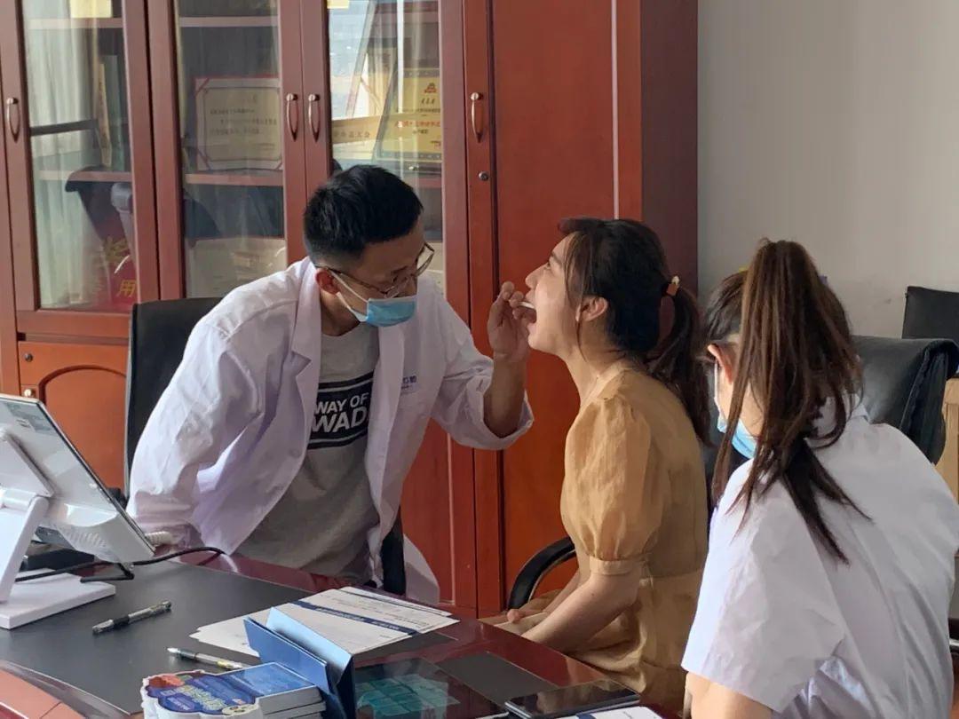 牙雅口腔|「爱在齿间」免费口腔体检服务开启——走进泰安传媒集团