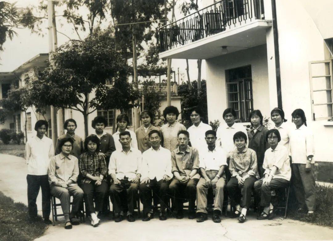 走进一段神秘的援外医疗史  《中老友谊的历史见证——广西江滨医院援外史料选编》项目正式启动!