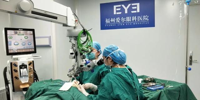2400 度超高度近视+白内障 患者,迎来了自己全新的「视」界