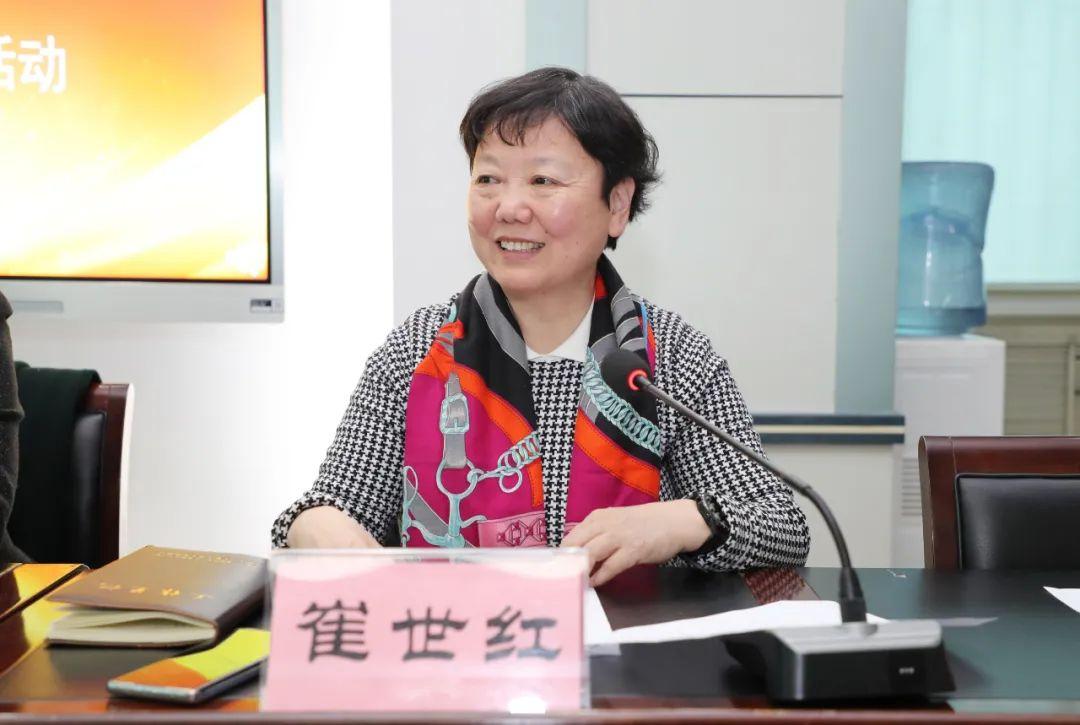 河南省妇女儿童发展基金会副理事长李香芳一行到河南省妇幼保健院(郑大三附院)慰问女性医护人员