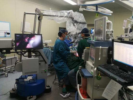 西安交大一附院神经外科完成首例前后路联合齿状突切除高难度手术