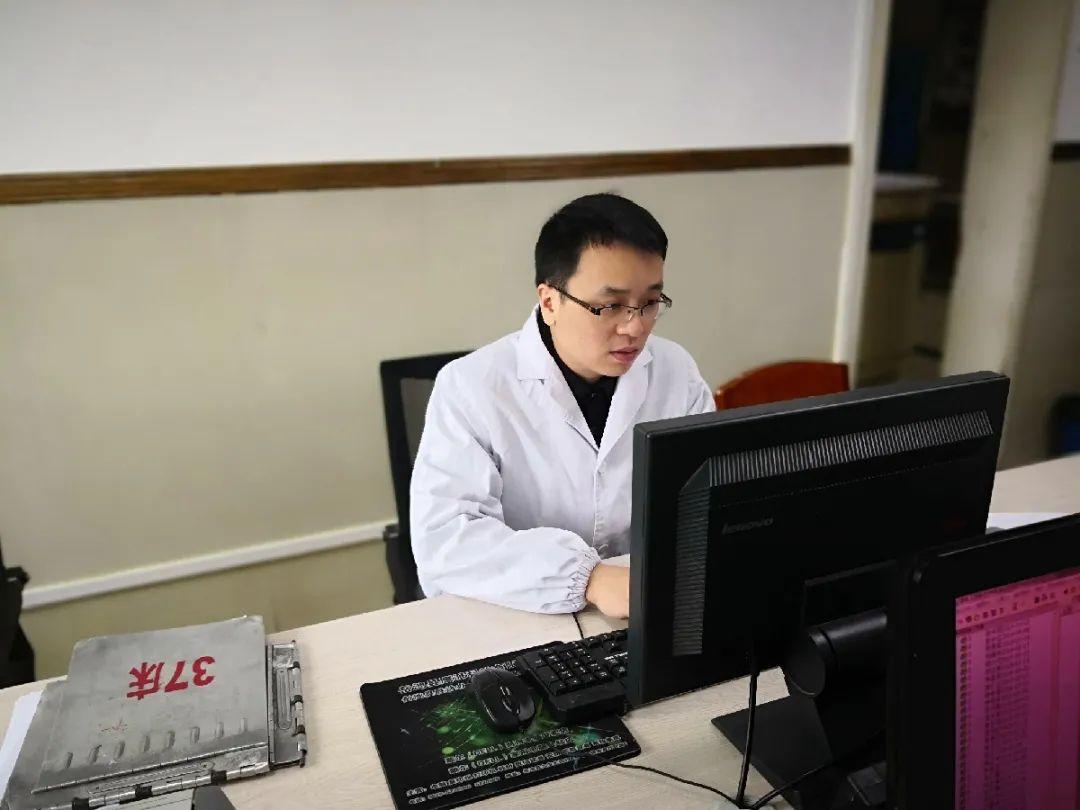 岳池县人民医院优秀共产党员王勇同志先进事迹