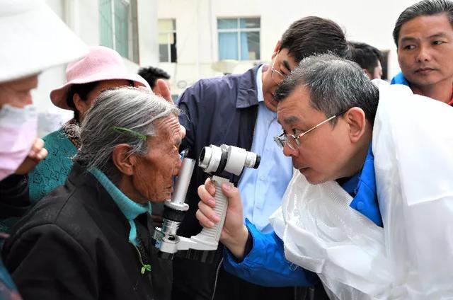 4 天日夜不停歇!他们为藏族同胞送去光明