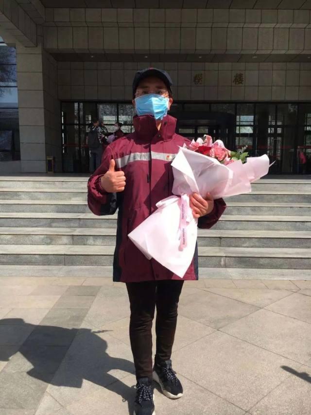 【欢迎回家】延安大学附属医院 4 名队员凯旋归来