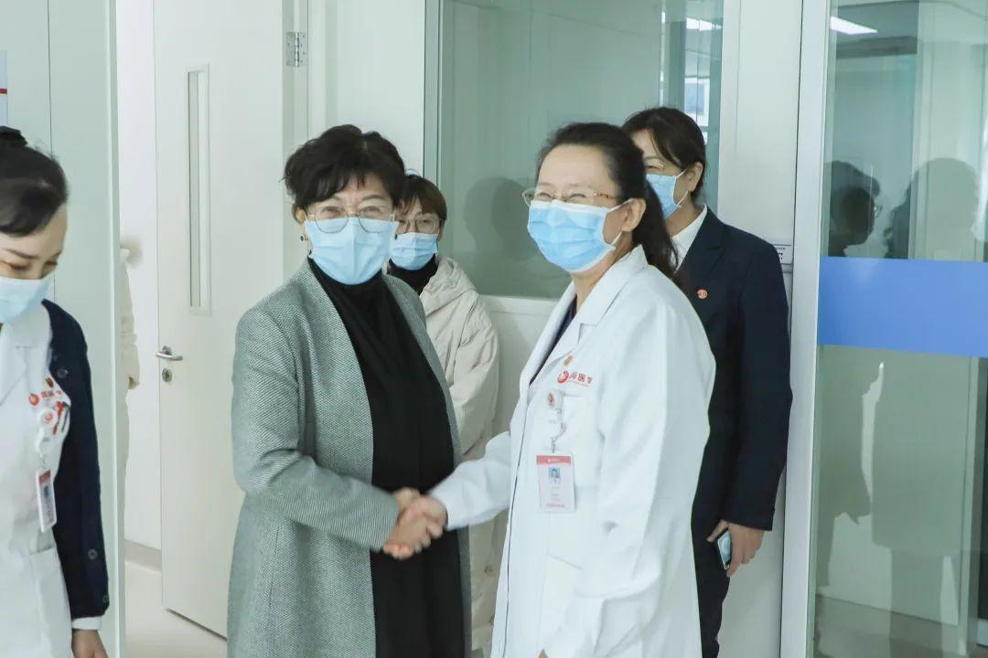 青海省中医院领导一行来西安高新医院参观交流