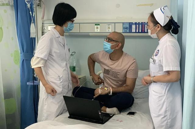 四川省绵阳市中心医院一封挂号信里的中巴友谊